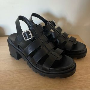 Sandals with chunky heal